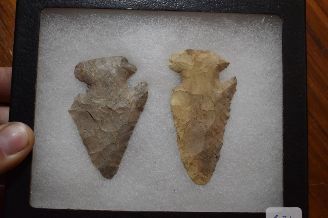 NICE PAIR OF E-NOTCH THEBES FOUND IN HURON COUNTY,