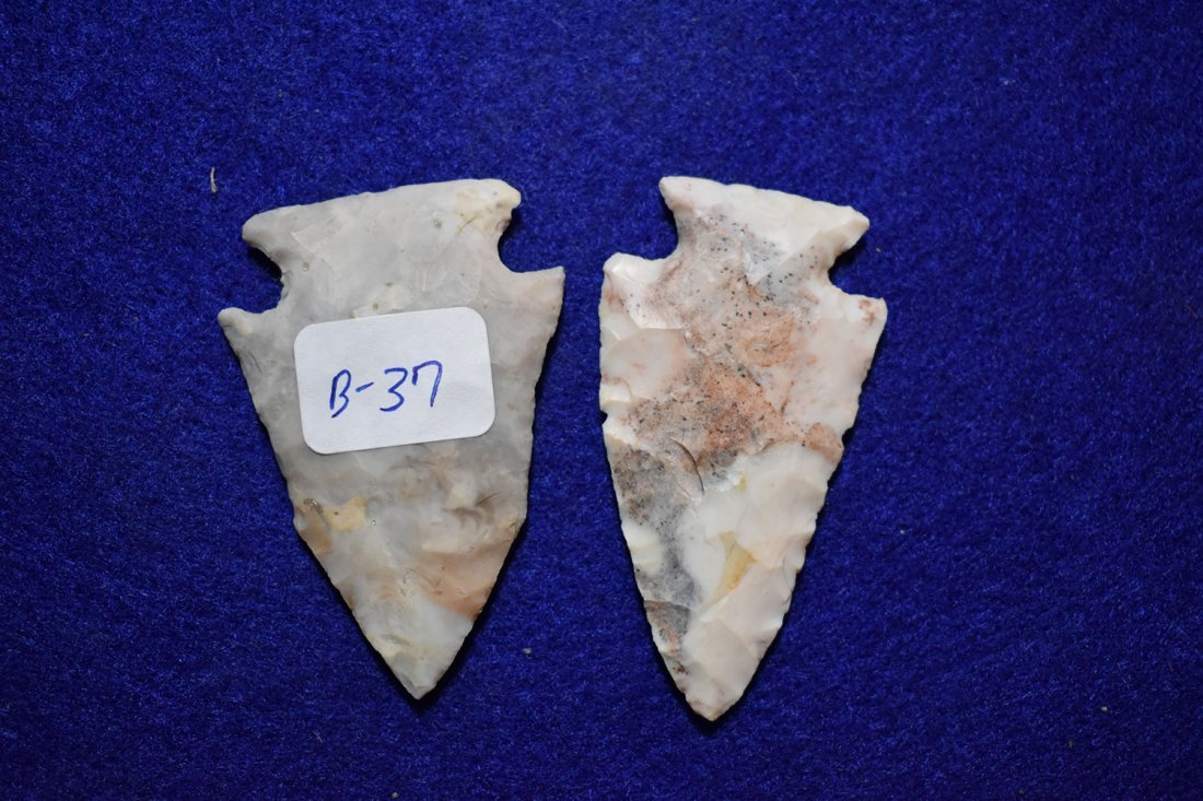 NICE PAIR OF OHIO CORNER NOTCHES, COLORFUL, FROM
