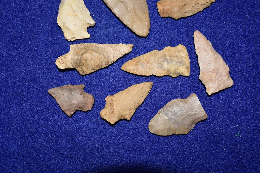 GROUP OF 10 ARROWHEADS FROM MOREHOUSE PARISH, - 2