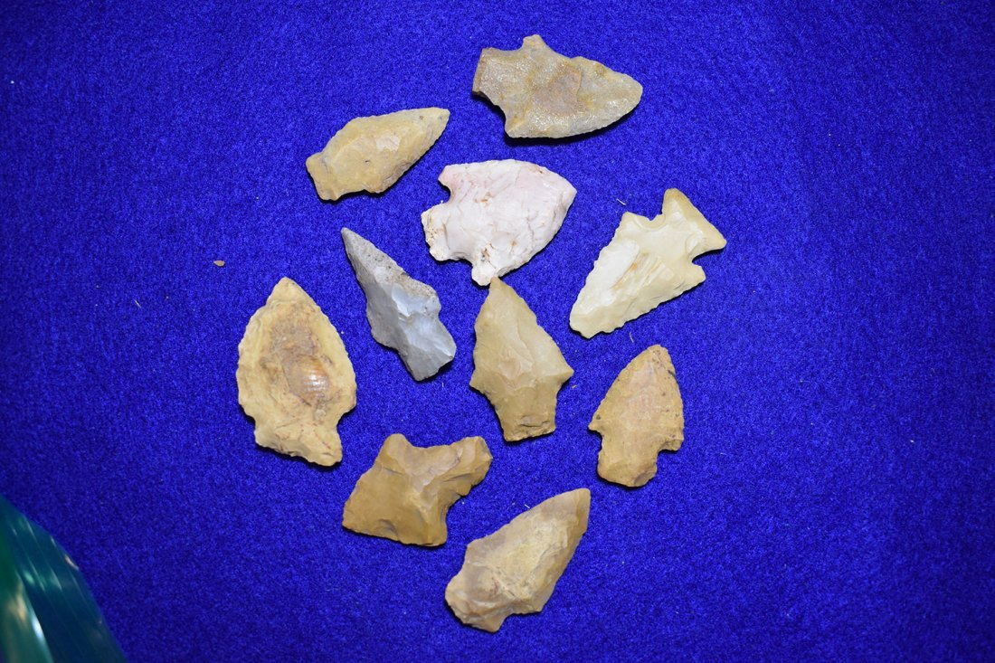 GROUP OF 10 ARROWHEADS FROM MOREHOUSE PARISH,