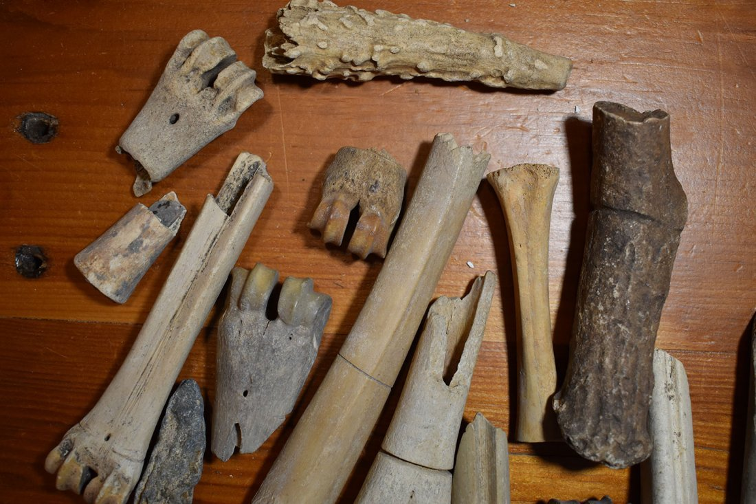 GROUP OF BONE TOOLS & AWLS FROM FUERT SITE.  SCION - 4