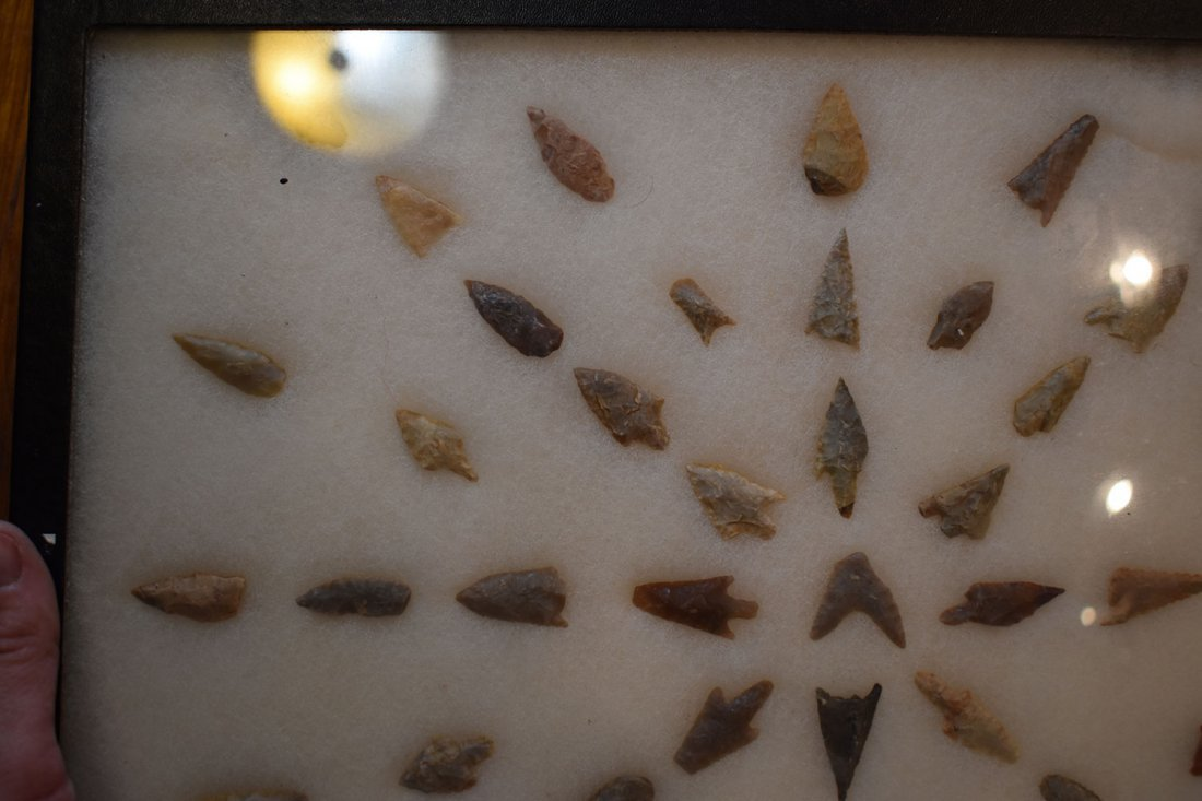 """12  1/2"""" X 16"""" FRAME OF 51 AFRICAN NEOLITHIC ARROWHEADS - 4"""