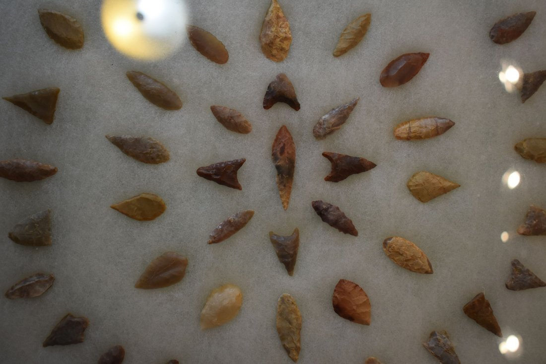"""12  1/2"""" X 16"""" FRAME OF 50 AFRICAN NEOLITHIC ARROWHEADS - 2"""