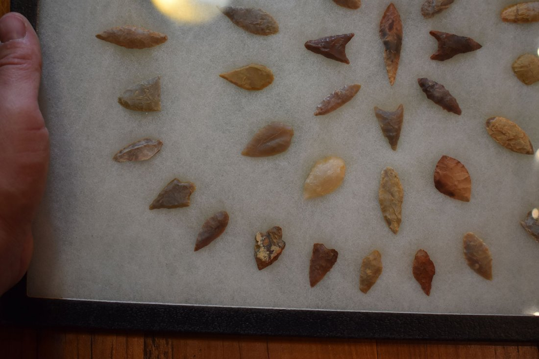 """12  1/2"""" X 16"""" FRAME OF 50 AFRICAN NEOLITHIC ARROWHEADS - 4"""