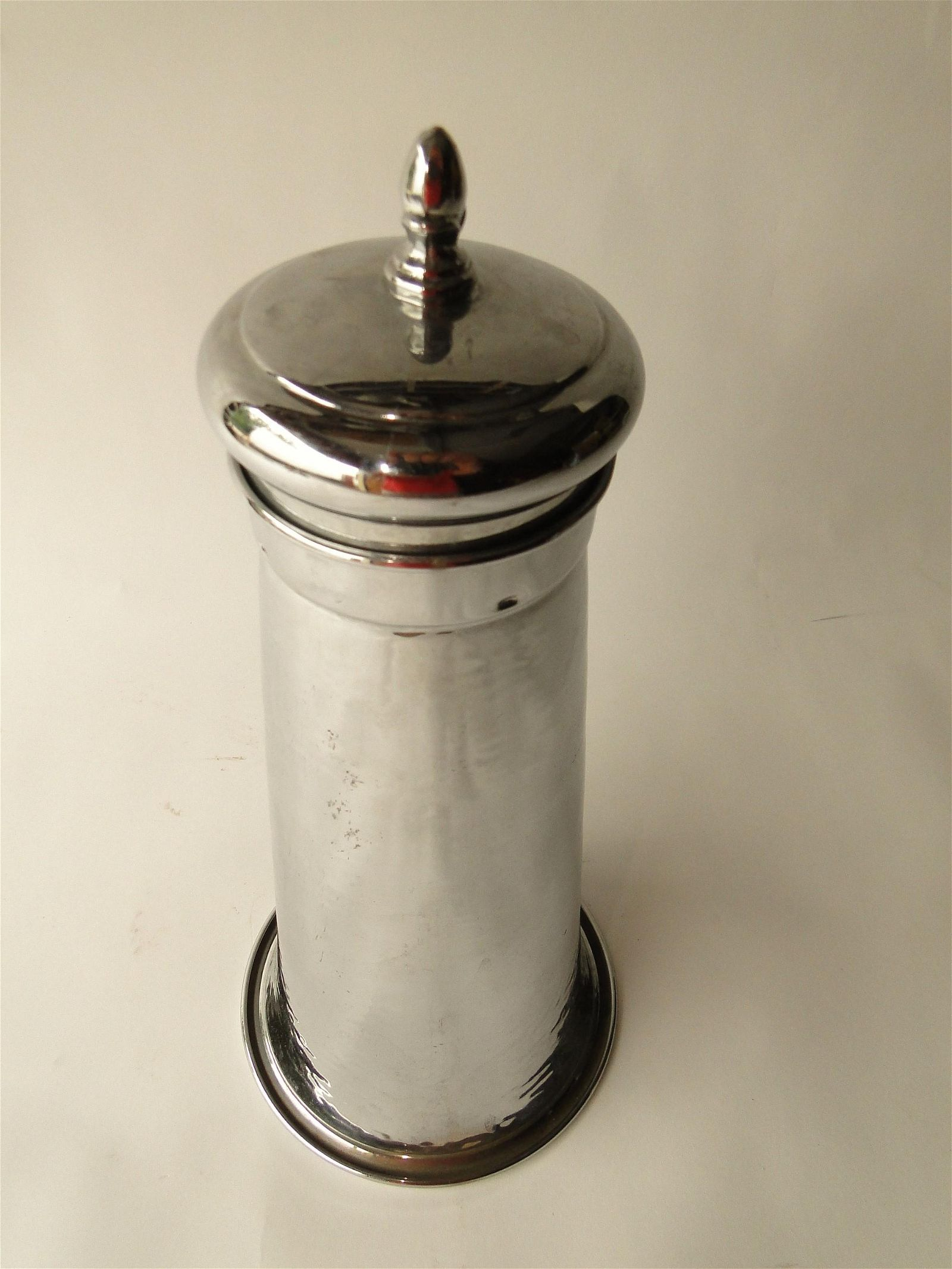 VINTAGE SHAKER MIXING CUP LIGHTHOUSE DESIGN