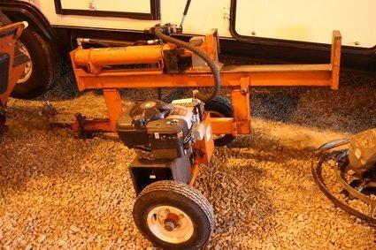 22: Portable Log Splitter Briggs& Stratton Intek 6Hp NR