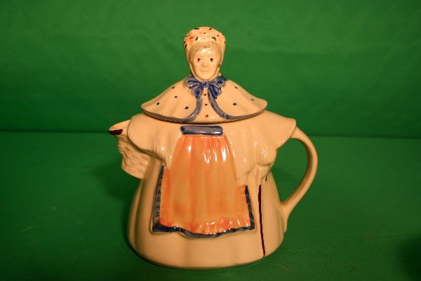 6: Shawnee teapot female form