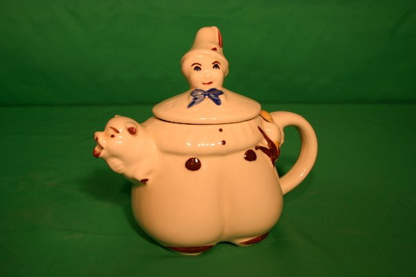 12: Shawnee Tom Piper teapot