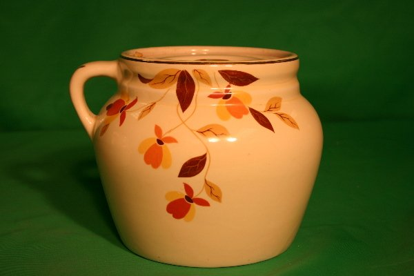 33: Rare Hall Jewel T Autumn Ware One (1) handle jar