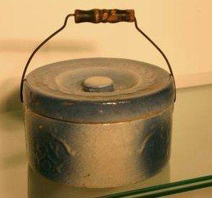 15: Saltglaze container with lid