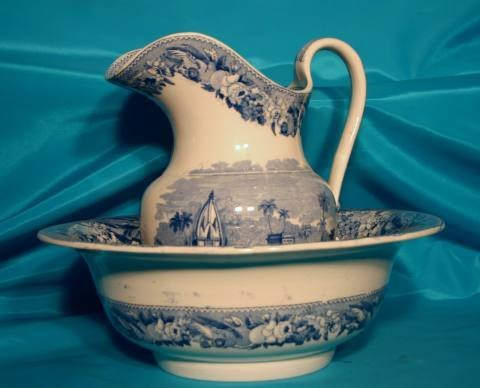 156: Blue transfer print pitcher and basin