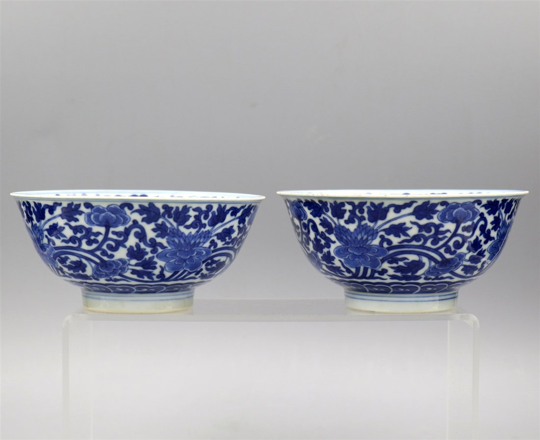A Pair of Chinese blue-white porcelain bowl.