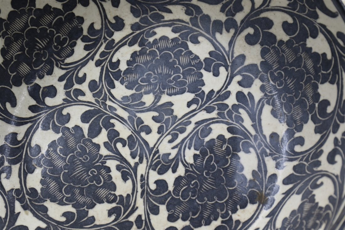 Chinese Black-White Porcelain Big Bowl - 3