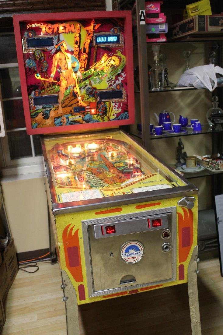 Totem pinball machine