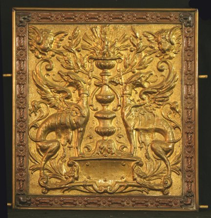 300: Fireplace Screen with Griffins