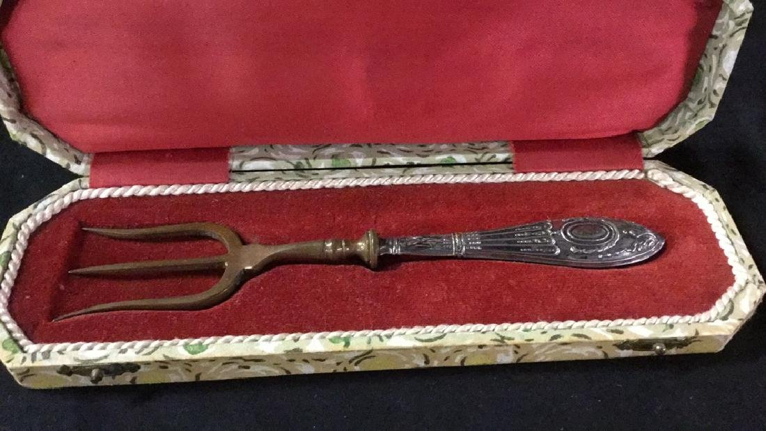 Metal knife fork and shoe horn in decorative boxes - 3