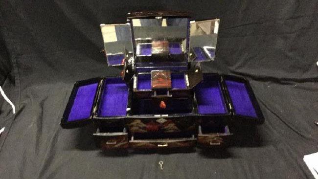 Asian lacquer jewelry box - 2