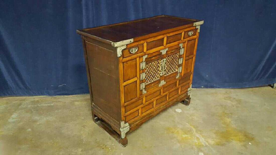 Two Asian style commodes - 2