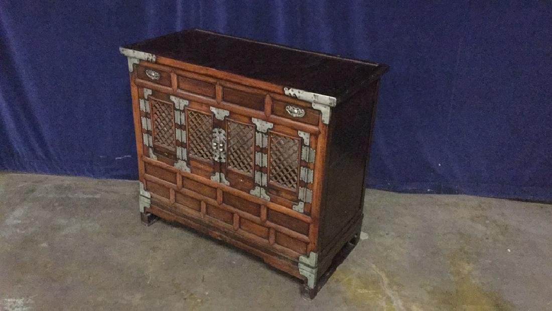 Asian style commode