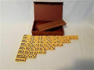 Vintage 28pc. Dominoe set with cribbage board