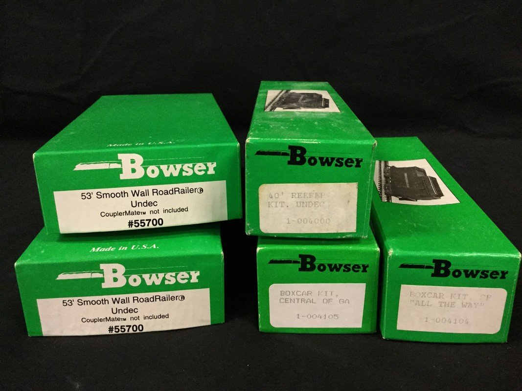 Three Bowser Freight cars and two Bowser 53' Smooth - 2