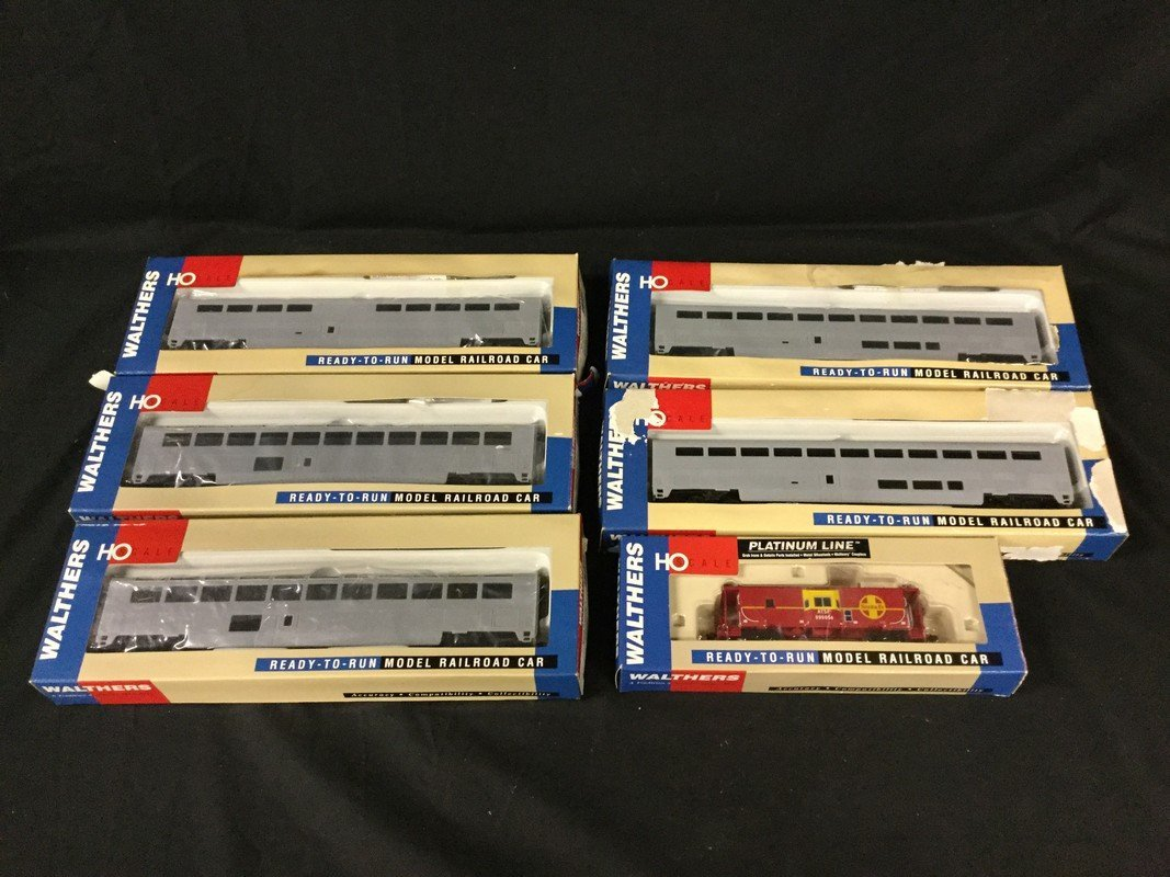Five Walther Ho scale Amtrak Superliner II Coaches and