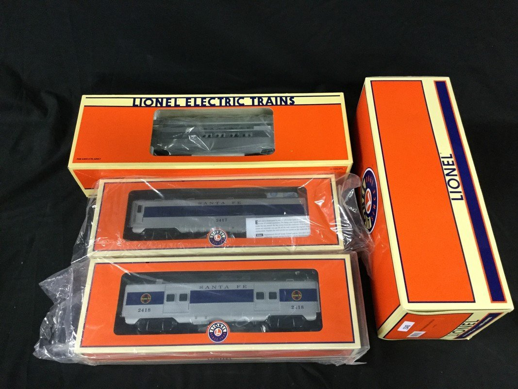 Three Lionel coach cars - 3