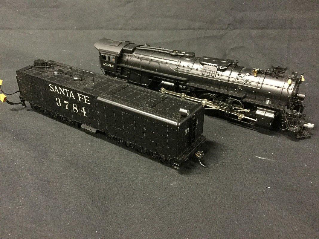 AT&SF locomotive and Santa Fe car with wood box - 2