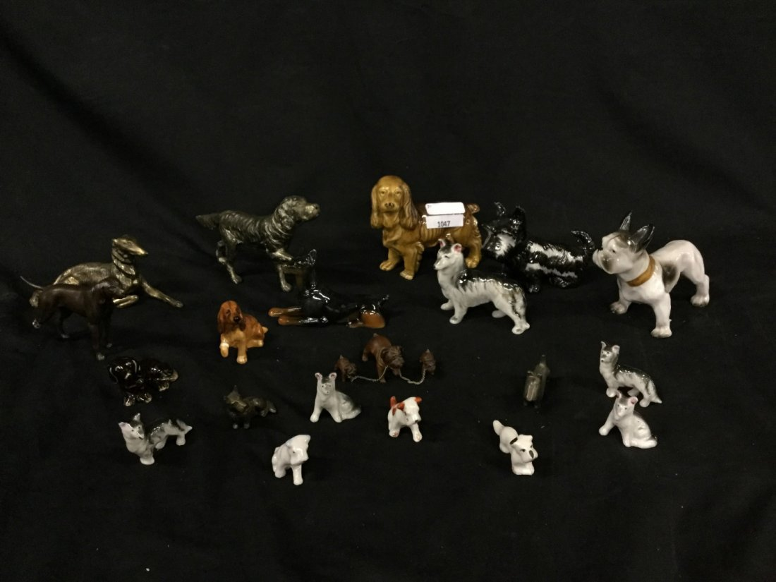 Lot of miscellaneous dog figurines