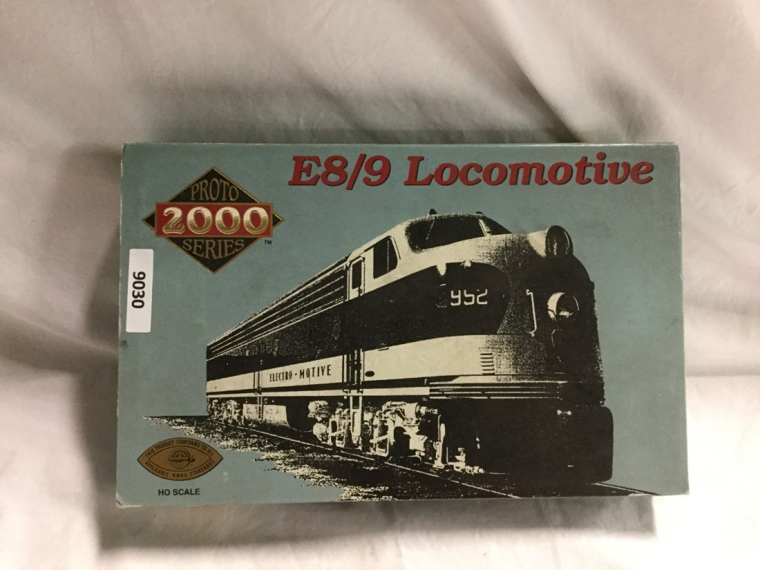 Proto 200 series E8/9 Locomotive