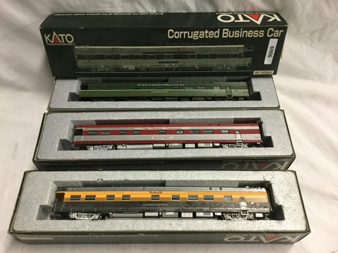 3 Kato Model trains