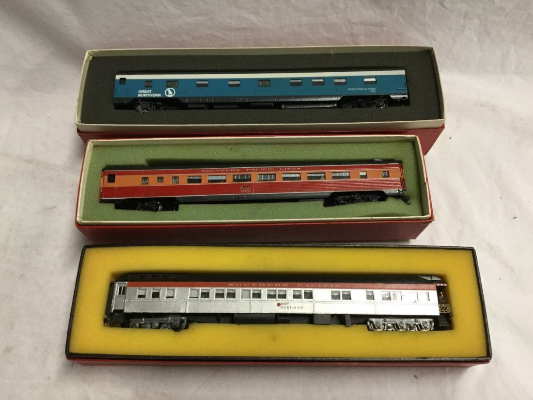 3 Model Trains