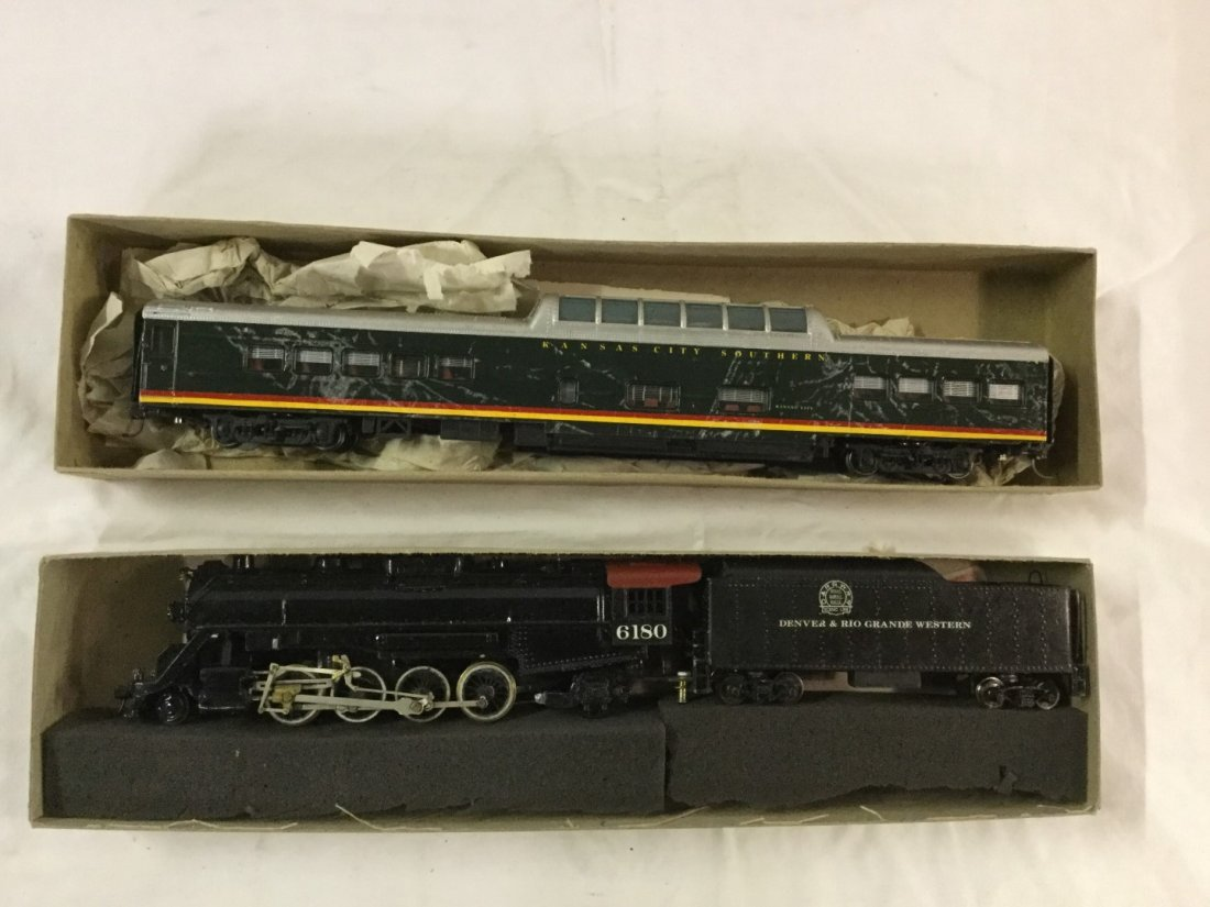 Con-Cor HO scale Engine, tender, and coach