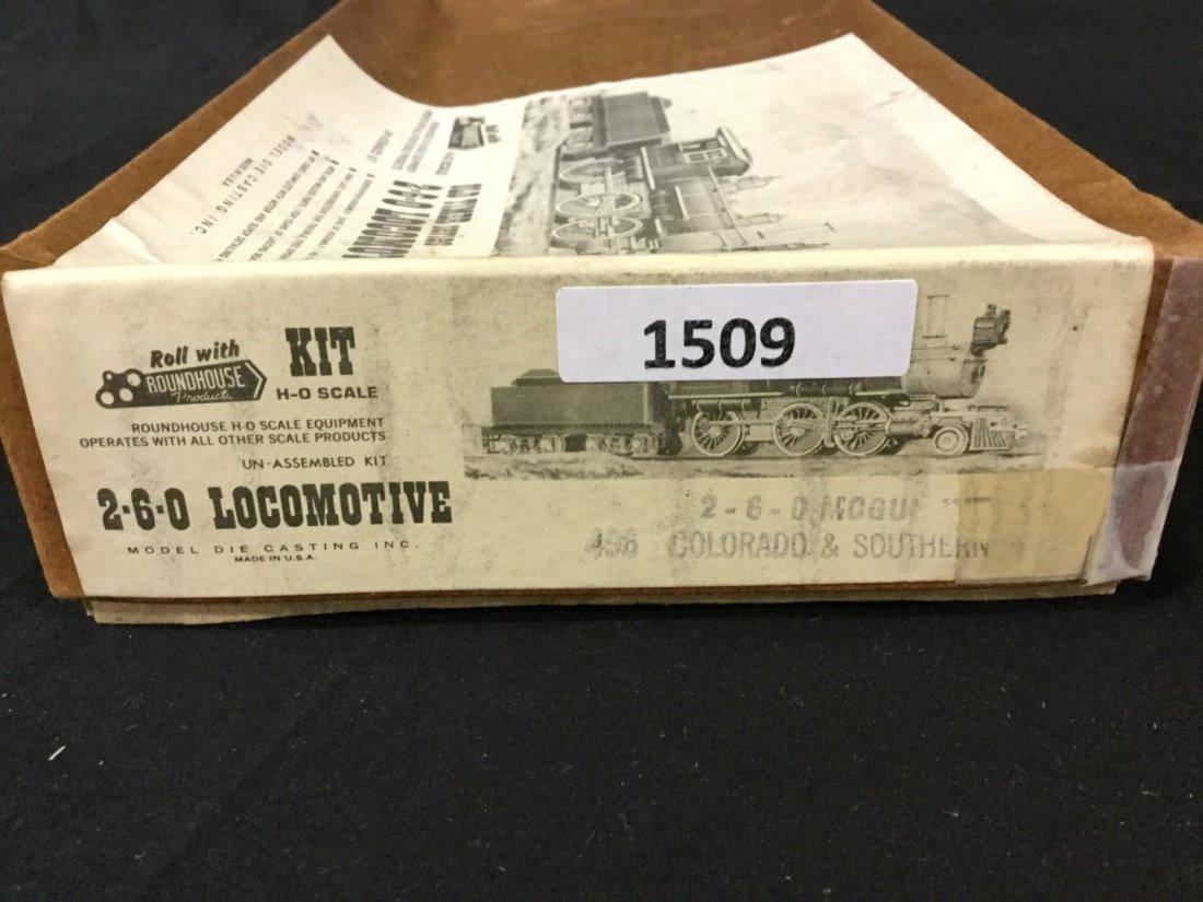 Roundhouse Ho scale locomotive kit - 2