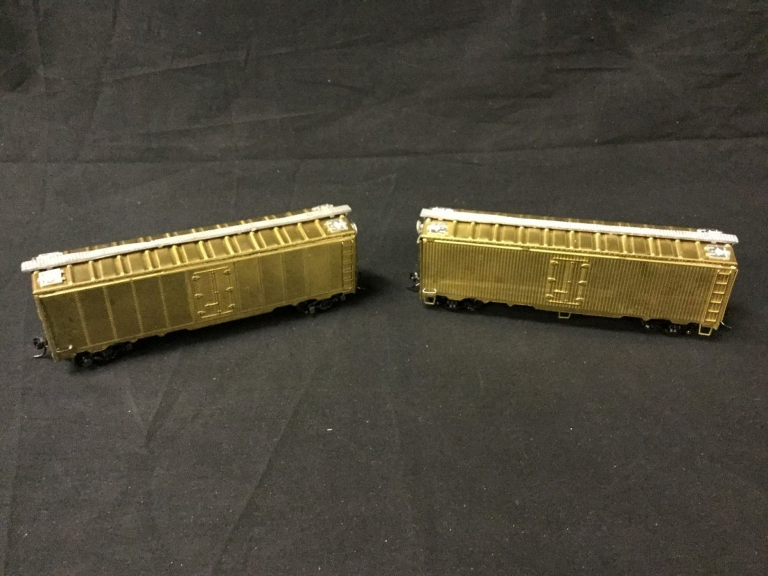 Bowser 2 brass and 40' reefers undecorated kits