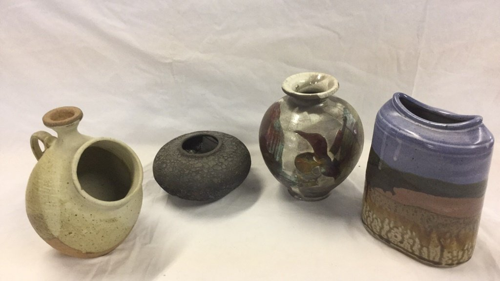 4 earthenware vases