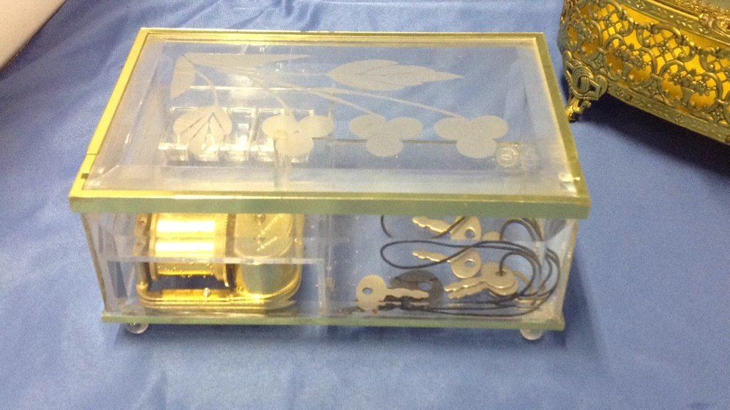 Two miniature jewelry boxes - 2