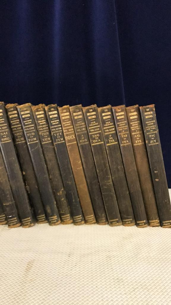 Encyclopedia Britannica set circa 1910 - 6
