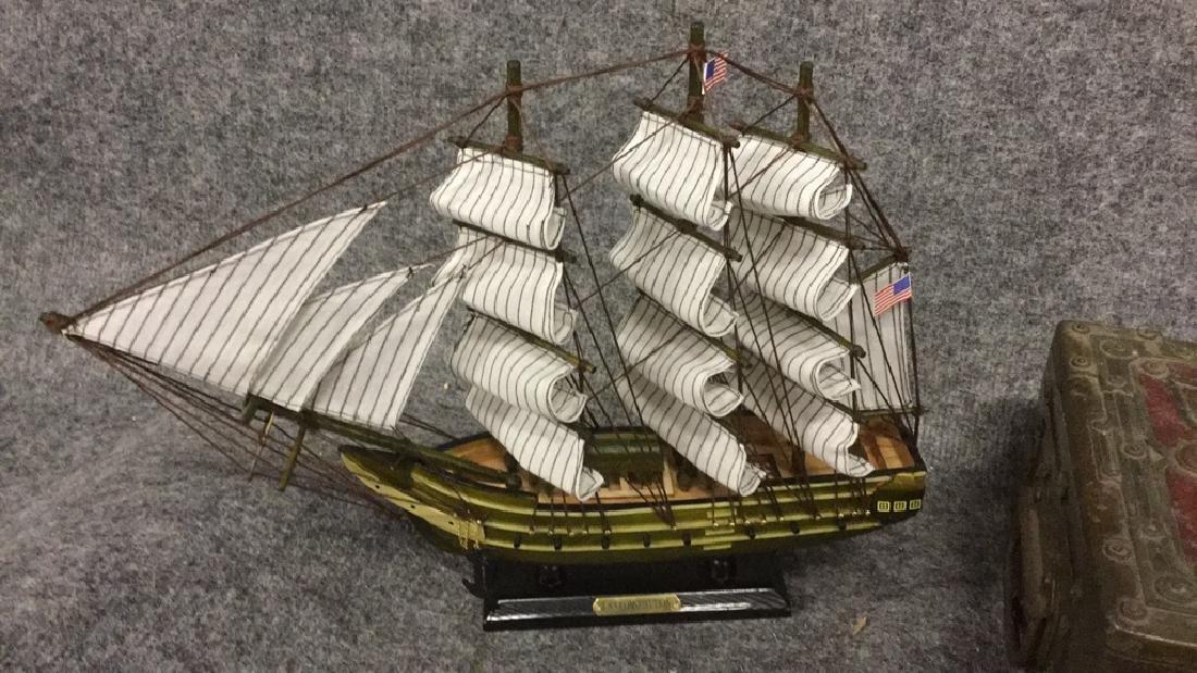 Small metal poker set and Model sailing ship - 4