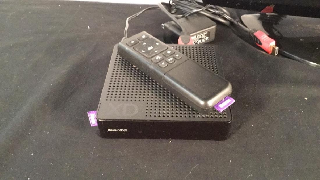 """LG 19"""" TV w/ Roku XDS system - 2"""