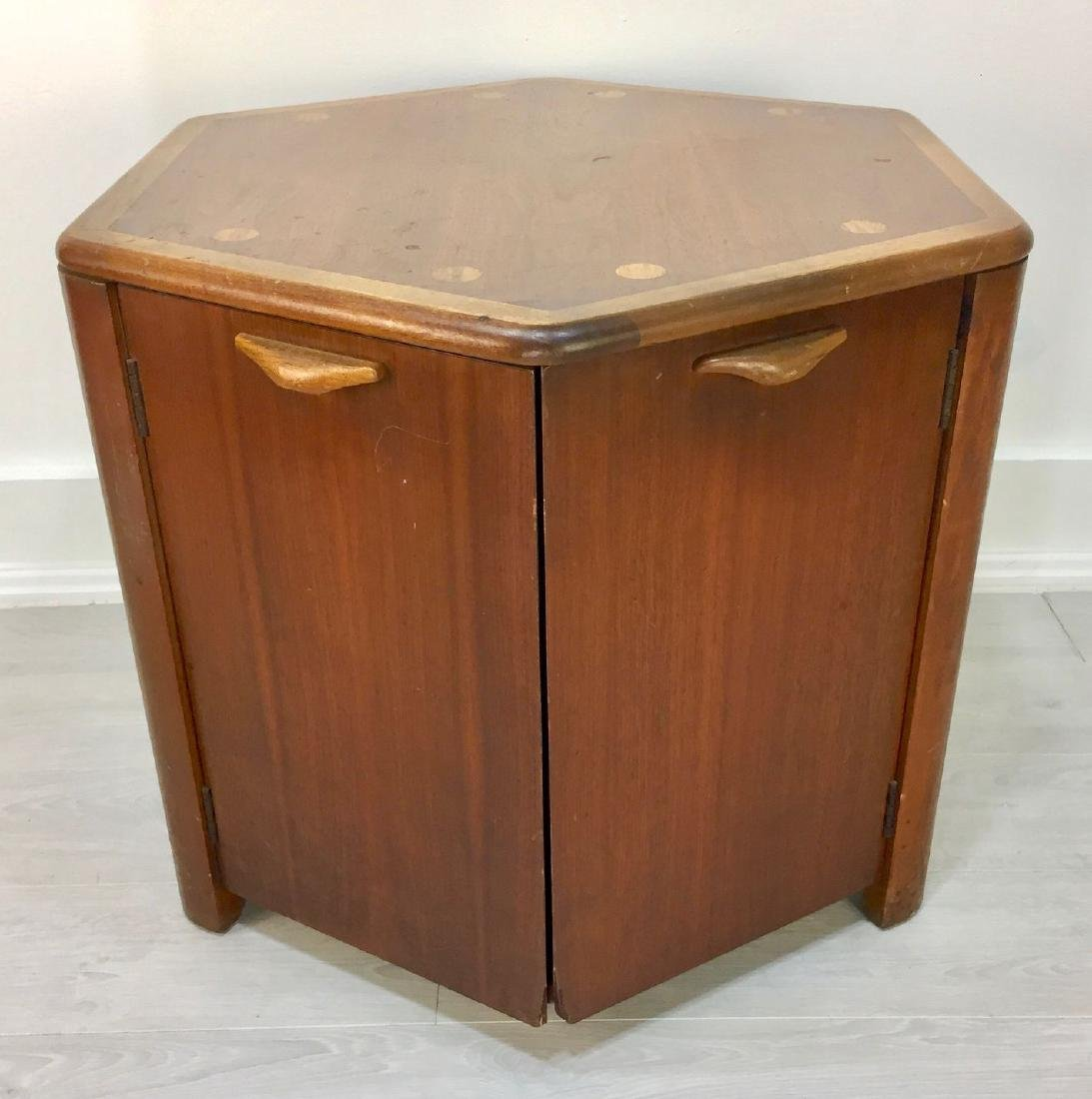 Storage Cabinet-End Table from Lane Furniture's Acclaim