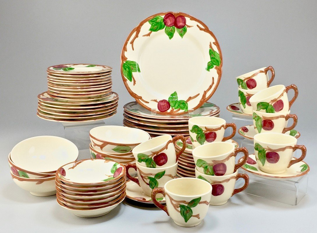 Franciscan Apple Serving Ware - Made in England