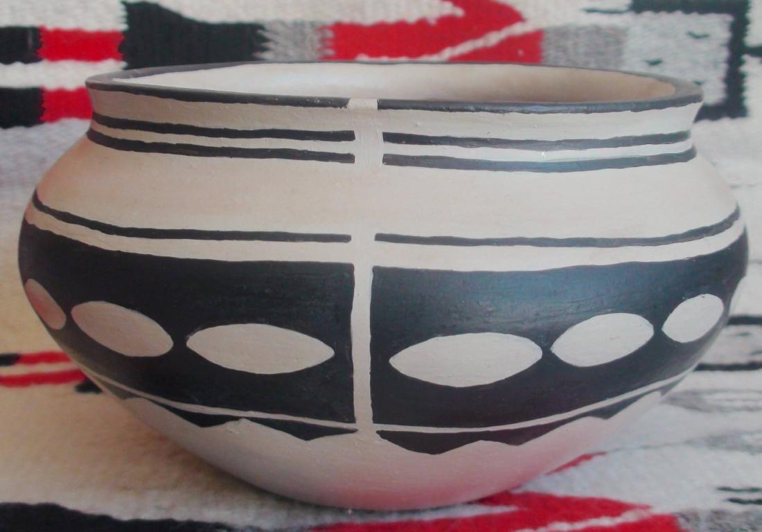Native American Cochiti Pueblo Pottery Bowl 5 X 9