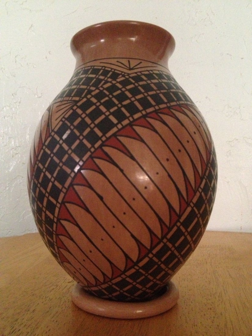 Mata Ortiz Pueblo Pottery Polychrome Olla Vase - 6