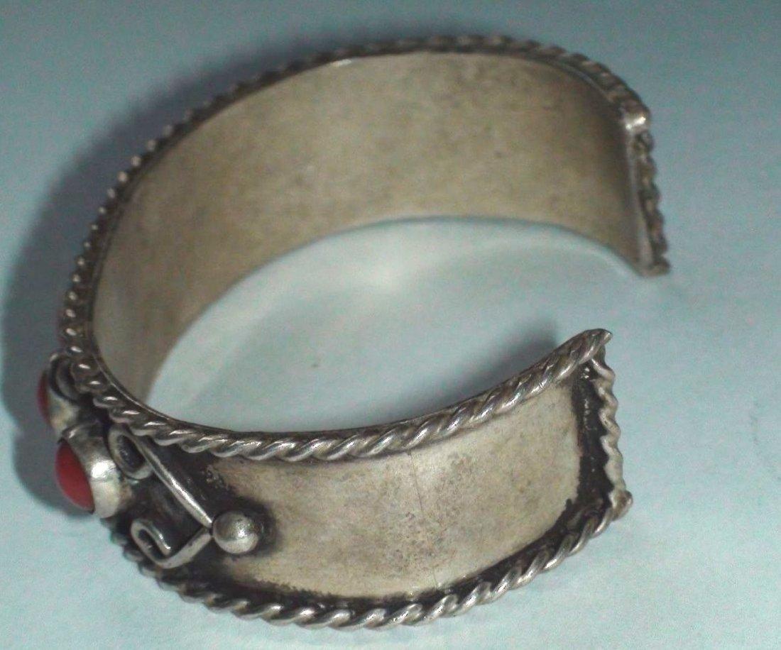 Native American Navajo Sterling Silver Coral Bracelet - 3