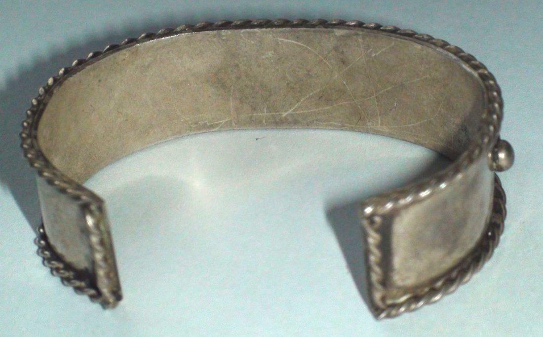 Native American Navajo Sterling Silver Coral Bracelet - 4