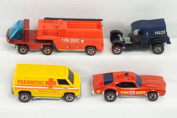 19: 4 Hot Wheels Red Line Fire Chief Truck Police