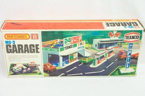704: Matchbox MG-3 Texaco Garage