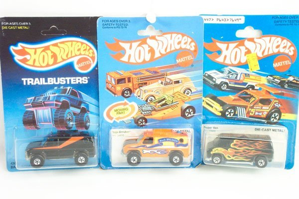 804: 3 Hot Wheels Baja Breaker & Super Van