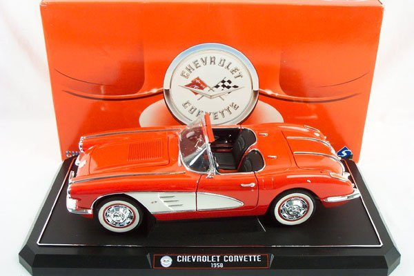 8: 1:12 Solido 1958 Chevrolet Corvette Convertible